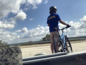 今日は土曜日で…サイクリング…(投稿が遅れました。先週の話です)